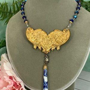 ⭐️Adorned Crown assemblage blue filigree necklace